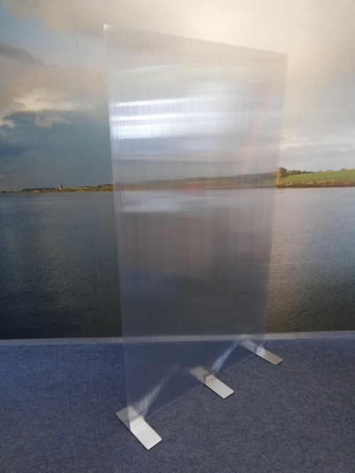 Polycarbonate Free Standing Screens with 3 feet